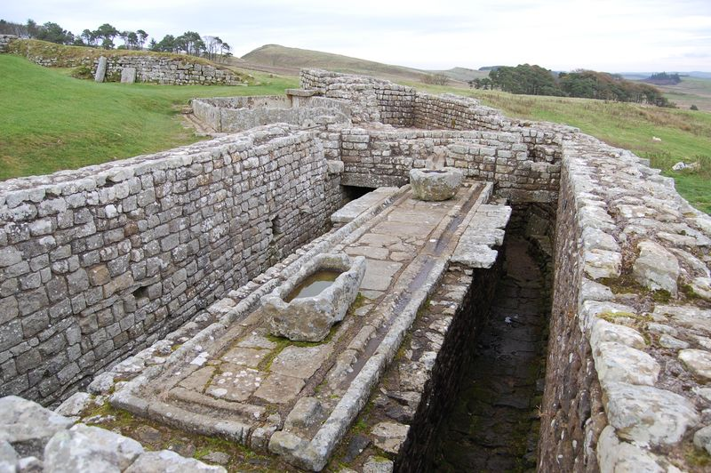 Housesteads_latrines